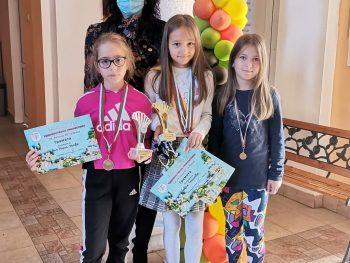 """Успех на наши ученички в """"Първи детски турнир по художествена гимнастика""""във Враца"""